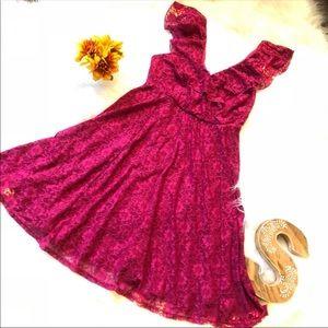 Beautiful NEW pink lace Torrid Dress